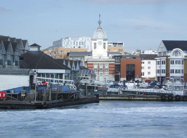 Town_Quay,_Southampton_-_geograph.org.uk_-_387823.jpg